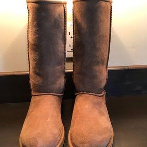 Ugg tall classic boot chestnut NEW sz 7